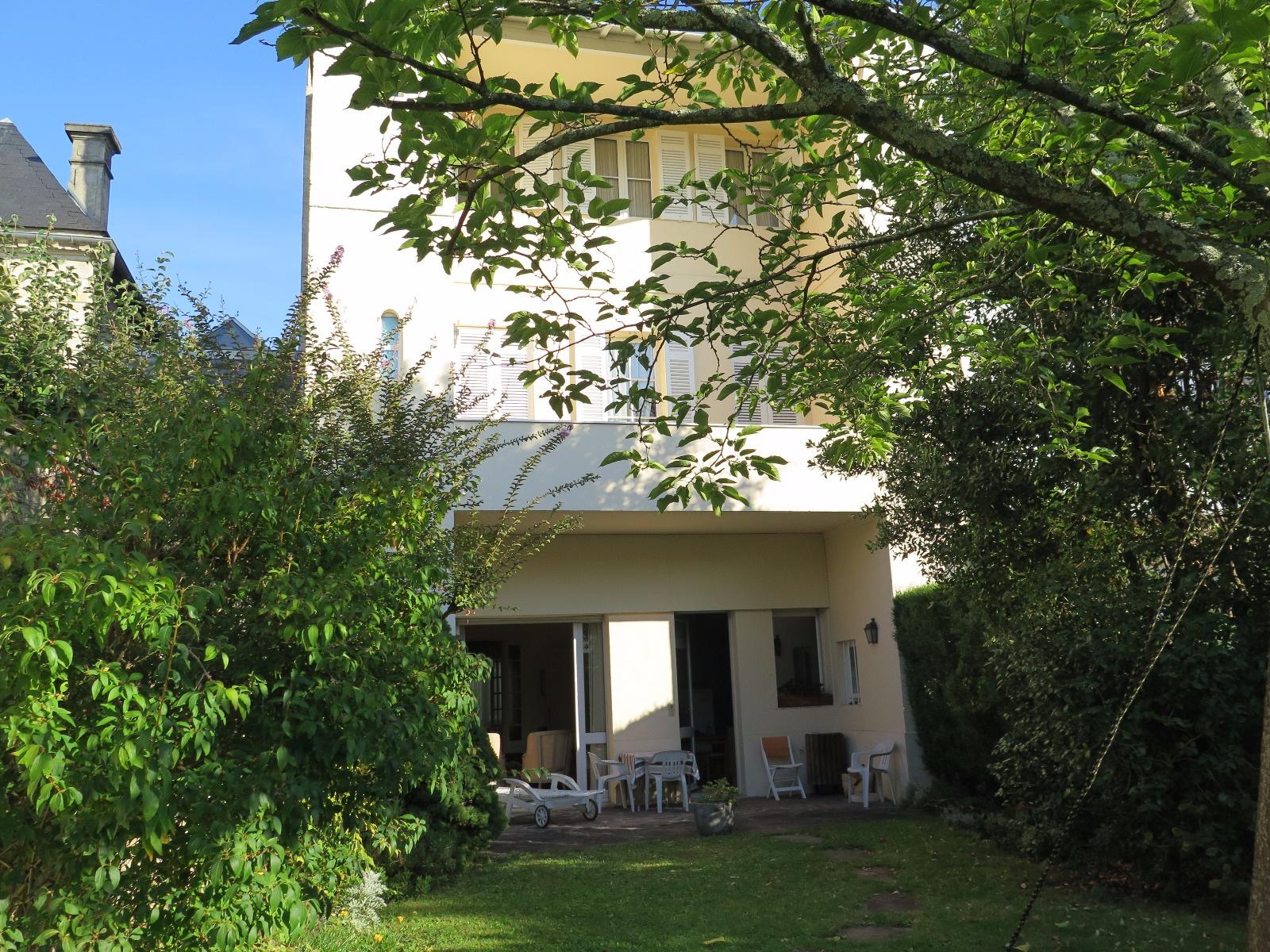 Vente belle maison bourgeoise avec jardin et garage bordeaux saint seurin - Jardin paysager prix bordeaux ...